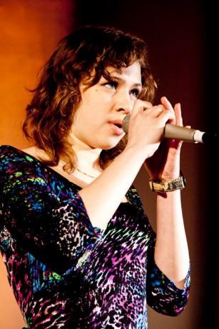 Słuchaczka naszego Studia – Iga Woś została nową wokalistką zespołu Sixteen.